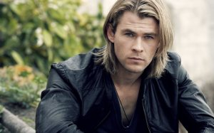 chris_hemsworth_looking_handsome-wide