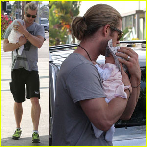 chris-hemsworth-shopping