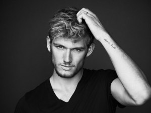 Alex-Pettyfer-girlfriend