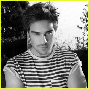 grey-damon-bello